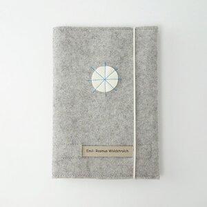 Heftumschlag 'fritz' aus Bio-Filz mit individuellem Namensschild - matilda k. manufaktur