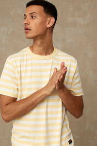T-Shirt aus recycelten Fasern - Darius Stripe Sunlight - Gelb - Kings Of Indigo