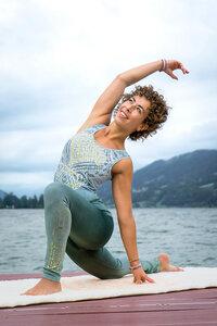 Yoga Top Bakti - Spirit of OM