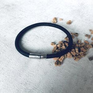 Korkarmband für Herren schwarz silber - Living in Kork