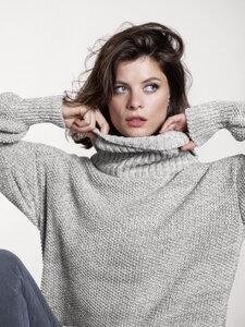 Circular Fashion Cocoon Sweater - Light Grey/ Ecru - oversized Passform - großer Kragen - Loop.a life