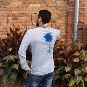 'Spinne und ihr Netz' Männer Longsleeve aus Bio-Baumwolle - shop handgedruckt