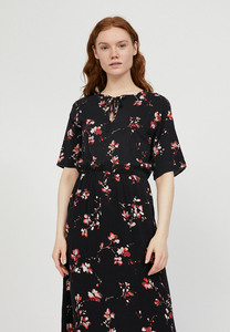 TINDRAA FLOWER BATIK - Damen Kleid aus LENZING ECOVERO - ARMEDANGELS