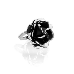 Ring Silber Rose Blüte handmade dezente Blume sustainable Fair-Trade - pakilia