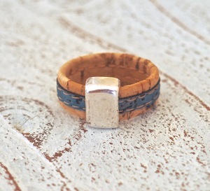 Damen Herren Ring aus Kork vegan 2 farbig - Charme-charmant