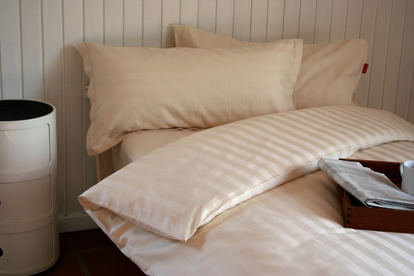 ia io bettw sche 2tlg set 155x220 80x80 cm klassische streifen biobaumwoll satin kba. Black Bedroom Furniture Sets. Home Design Ideas