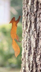 Eichhörnchen Baumstecker Edelrost | Gartendeko aus Metall | 35 cm - Pandas Garden
