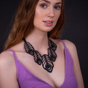 Large Peacock Feather handgefertigte Halskette aus Kautschuk - SAPU