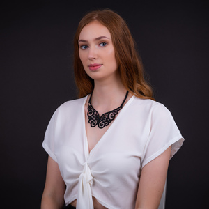 Wing handgefertigte Halskette aus recyceltem Reifenschlauch - SAPU