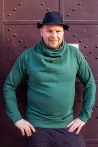 melierter Pullover mit besonderem Kragen - Kollateralschaden
