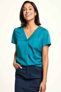 EcoVero Shirt mit Print in Rot und Blau - TRANQUILLO