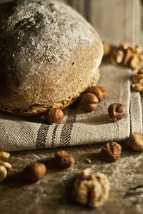 Nussknackerbrot mit Haselnüssen & Walnüssen - Brotliebling