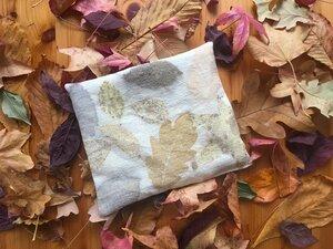 Kirschkernkissen aus Ramie mit echtem Blätter-Aufdruck - MAVOLU