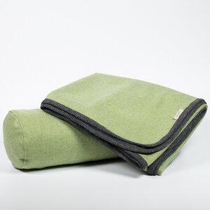 Decke und Nackenrolle aus 100% Merinowolle, Leichtloden in rot, blau, grün, rosa, grau - nahtur-design