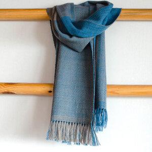Handgewebter Wollschal mit Indigo und Harada gefärbt - Sukham