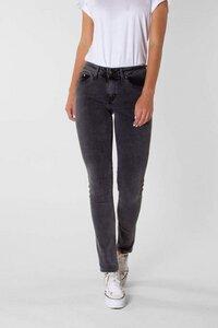 Klassische Slim-Fit Jeans für Frauen - Suzie - Kuyichi