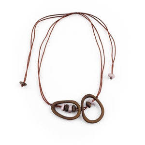 """Tagua Kette """"Turron"""", Länge verstellbar bis ca. 70 cm, Satinband, Steinnuß (Naturprodukt), Fairtrade - Mekhada"""