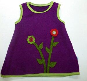 Trägerkleid mit Blumenapplikation aus lila Wollwalk/Kochwolle - Omilich