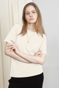 IVY - Damen Basic T-shirt aus Bio-Baumwolle - Woman of Vegan