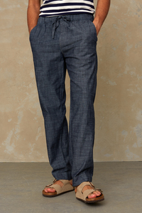 "Herrenhose ""MARTIN"" mit Gummibund und Bindeband aus Biobaumwolle von KINGS OF INDIGO, chambray - Kings Of Indigo"