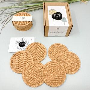 FLOW - Korkuntersetzer Set von 6, Kork Untersetzer, rund, Naturdesign - Hochzeitsgeschenk, Geschenke für Frauen Deko Untersetzer für gläser - PepMelon