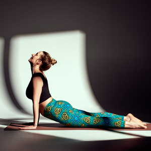 Set Yoga Top & Yoga Leggings - BUDEVI