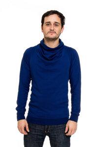 Pullover mit besonderem Kragen zum Wenden - Kollateralschaden