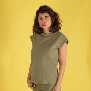 "Shirt, Top ""Luziana"" aus gewaffelter Baumwolle in sand oder olive grün - ManduTrap"