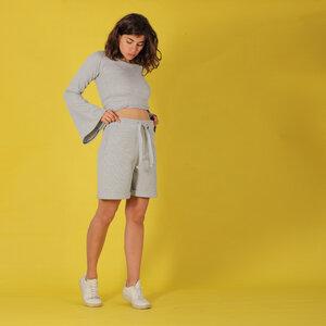 """Bermuda Shorts """"Emi"""" in hellgrau meliert aus einer strukturierten Baumwolle (Waffelpiqué) - ManduTrap"""