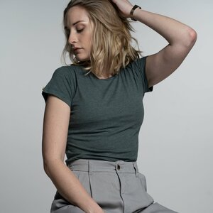 "T-Shirt Damen - Bio-Baumwolle + rec. Polyester ""Terra"" grün 2.0 - Vresh Clothing"
