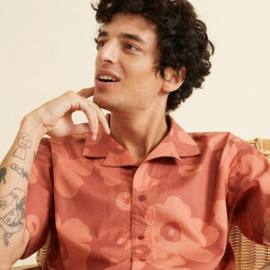Hemd aus Tencel und Bio Baumwolle - Big Flowers Teja Leo Shirt - Rot - thinking mu