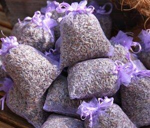 10 x Lavendelsäckchen mit duftenden BIO Lavendel - Insgesamt 100g BIO Lavendelblüten - Duftkissen - Quertee