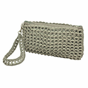 Barbara, Clutch - Tasche aus recycelten Dosenringen - MoreThanHip