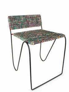 Stuhl aus recycelten Saristoffen - El Puente