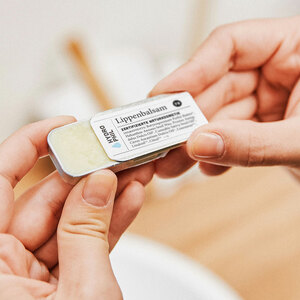Lippenbalsam – neue Rezeptur – NCS Naturkosmetik zertifiziert - HYDROPHIL