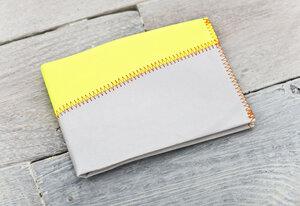 Portemonnaie (Big) - Grau/Gelb (reißfestes Tyvek®) - paprcuts