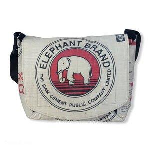 Umhängetasche CR2 recycelter Zementsack - Beadbags