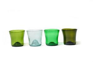 Upcycling Trinkgläser aus verschiedenfarbigen Glasflaschen - SAMESAME