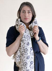 Großer Schal aus Bio-Baumwolle – blaue Blumenranken 3213 - Djian Collection