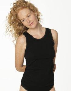 Hemd ohne Arm mit Spitze in schwarz, Biobaumwolle 4377 - Living Crafts