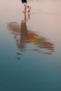 The Surfer - Poster von AJ Schokora - Photocircle