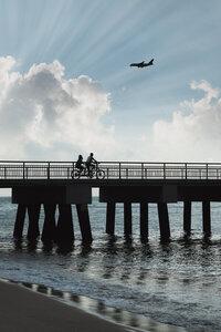 Singapore Pier Views - Poster von AJ Schokora - Photocircle