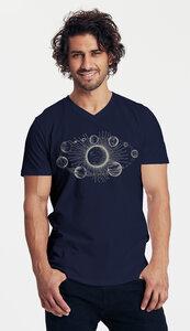 Bio-Herren-T-Shirt V-Neck Sonnensystem - Peaces.bio - Neutral® - handbedruckt