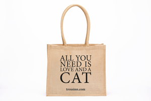 """Eco Shopper """"All you need is love...and a cat"""" - Treusinn"""