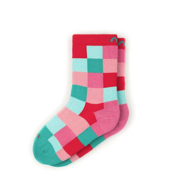 minga berlin bunte gekachelte kindersocken aus bio baumwolle gots rot gr n rosa. Black Bedroom Furniture Sets. Home Design Ideas