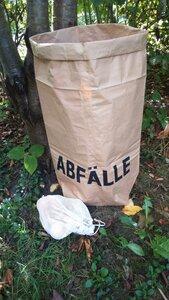 Abfallsack aus Altpapier mit zusätzlichem Obst und Gemüsenetz - Papp à la papp