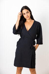 Damen Wickelkleid aus fester Bio-Baumwolle in schwarz - Jyoti - Fair Works