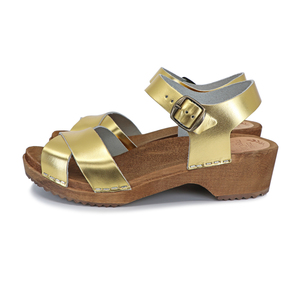 MÄRTA Gold - schwedische Holz Clogs Sandale von me&myclogs - low heel - me&myClogs