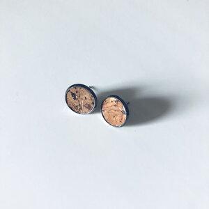 Ohrstecker aus Kork mit Natur Korkblättchen in verschiedenen Metallen - Living in Kork