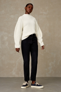 Mom Jeans aus Recycling und Bio Baumwolle - Caroline - Recycled black worn - Kings Of Indigo